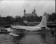35 TON FLYING GIANT SHORT SOLENT LANDS ON THE THAMES