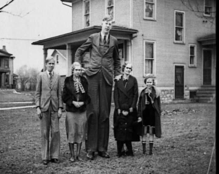 Robert Wadlow 1918-1940 – 8ft11. Tallest man in History.